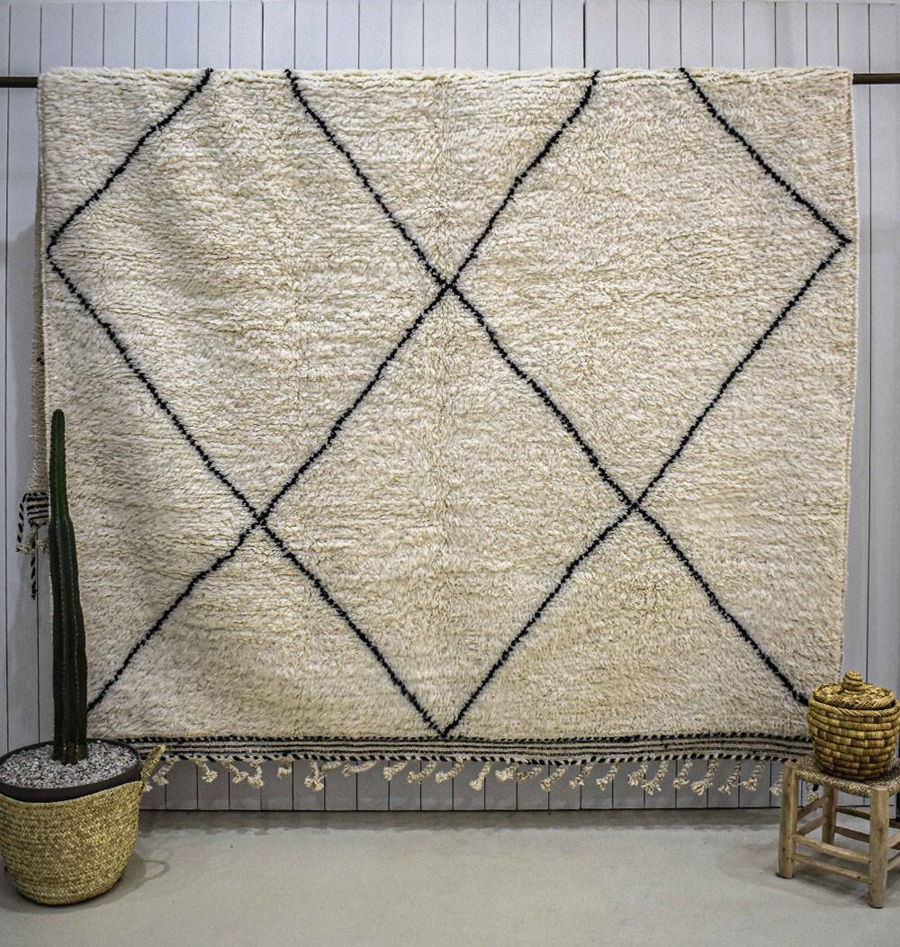 Beni Ouarain carpet large whole diamonds