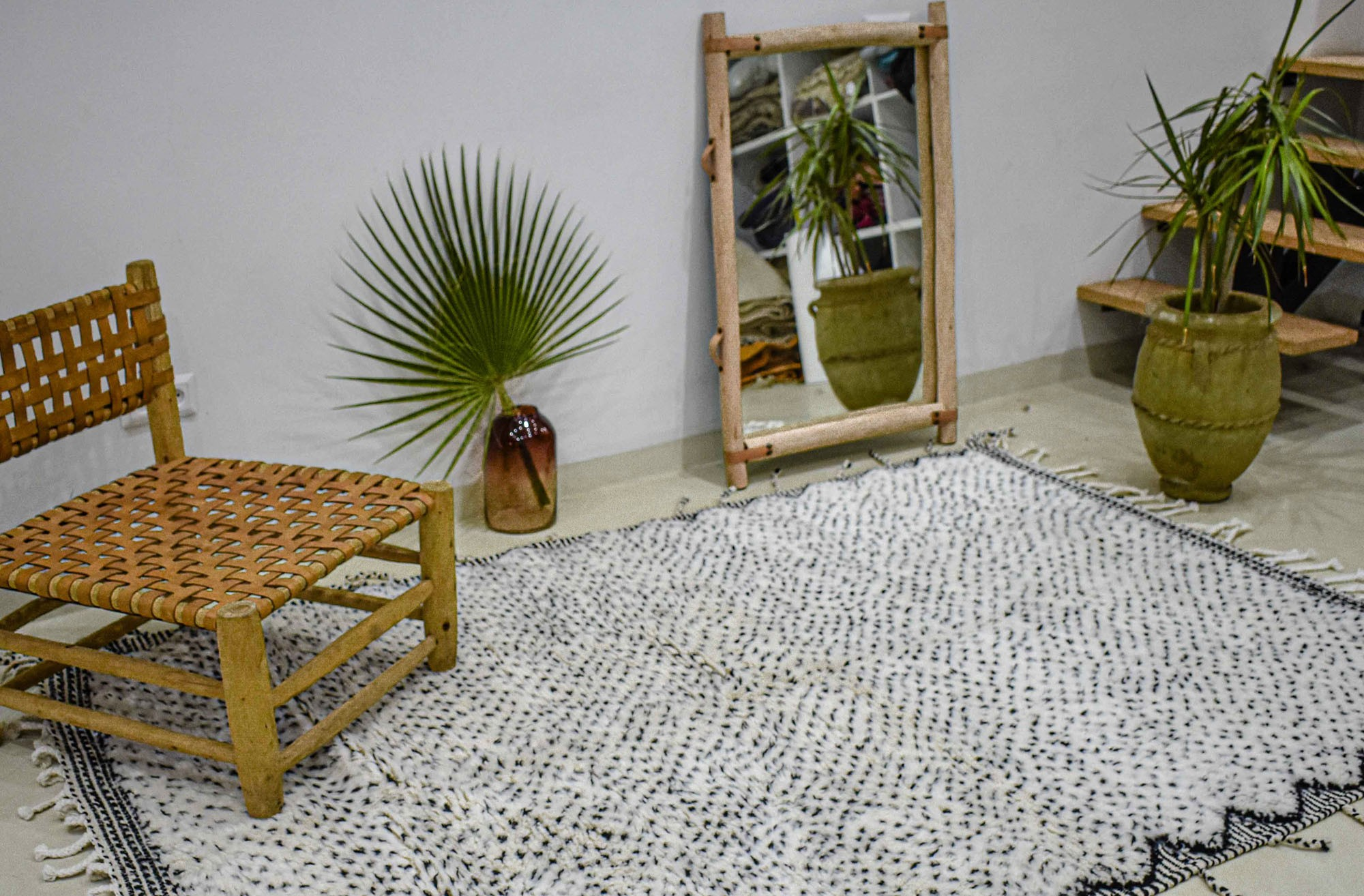 Beni Ouarain rug tight dots two-tone frame NB