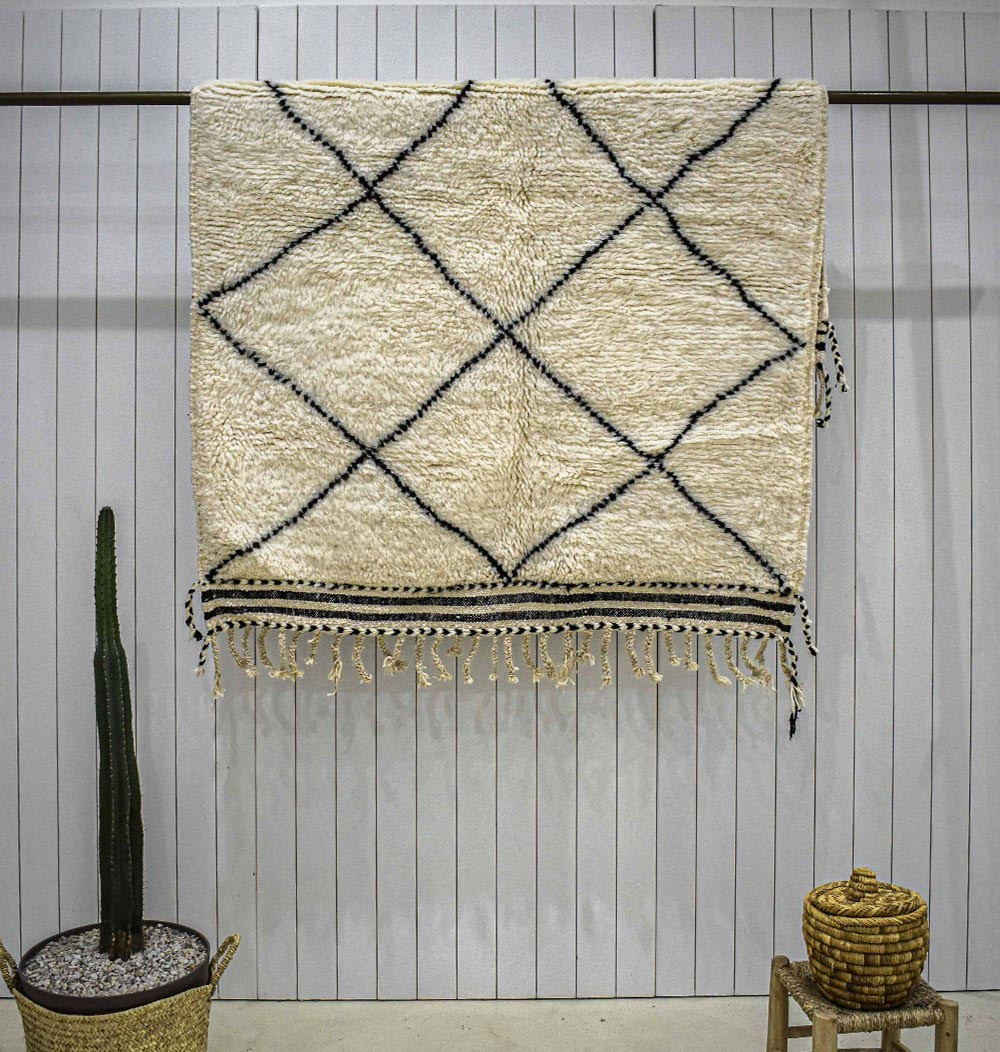 approximately 45.000 Flor threads//m2 Natural Berber Carpet 1 Wollweiss 15//15 S from Morocco
