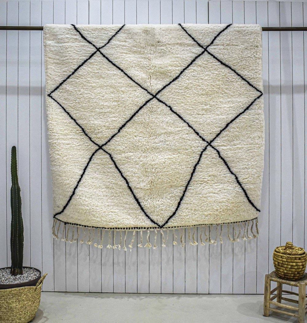Beni Ouarain diamond patterned carpet