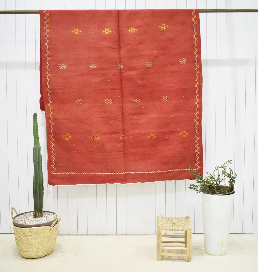 Grand tapis Kilim fond rouge