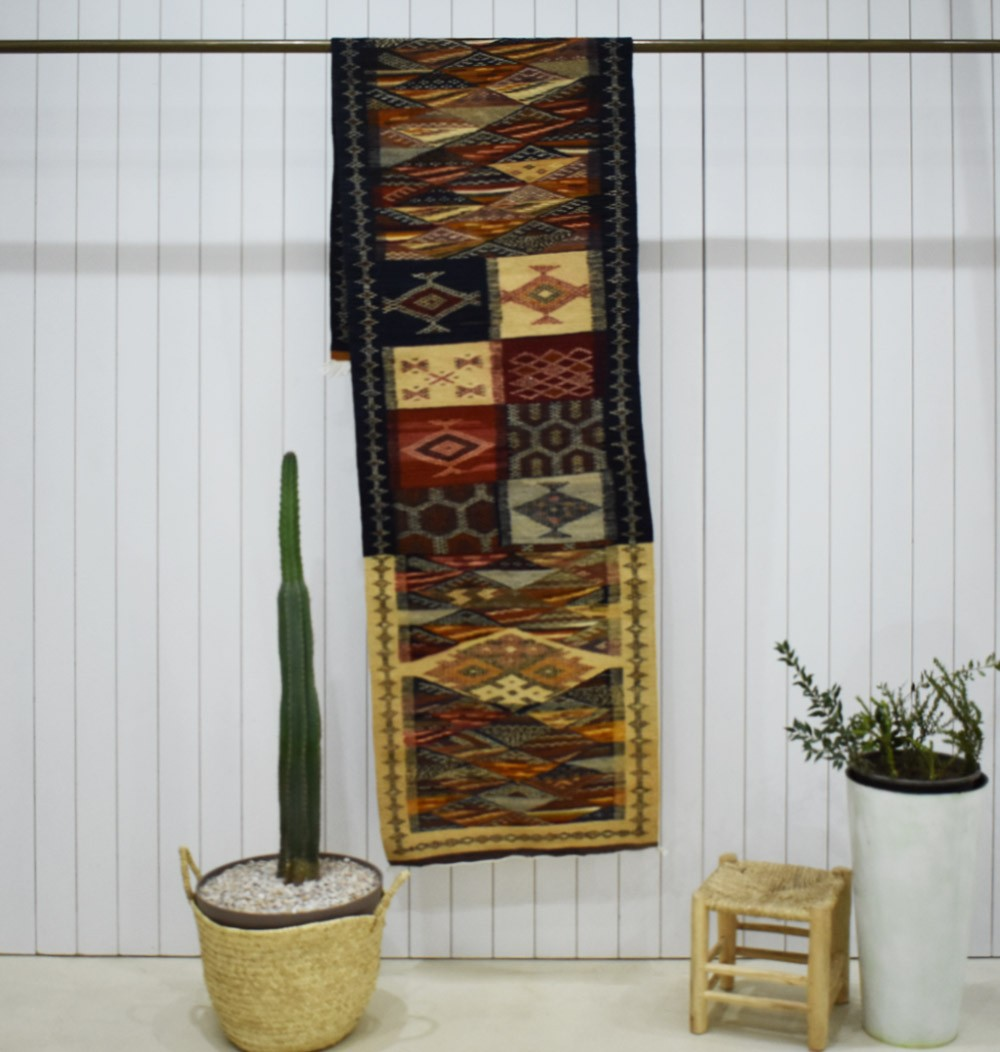 Long Berber hallway carpet Paving
