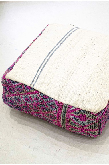 Pouf vintage carré en laine pastel petits losanges