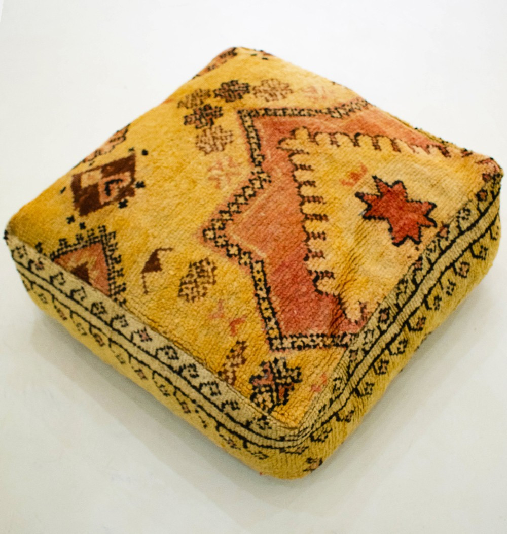 Vintage square pouf in thick wool with linen-like seat