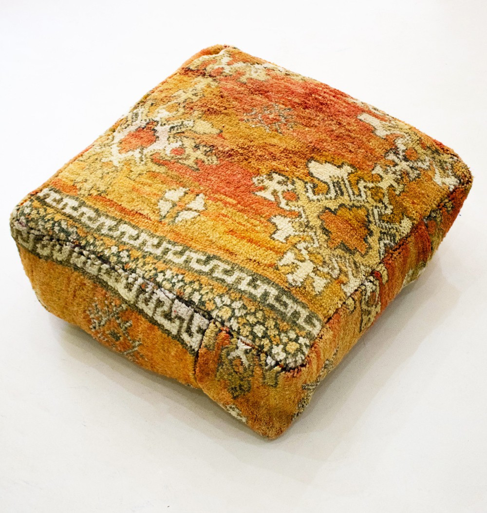 Vintage square pouf in smooth wool velvet Greco-Berber style