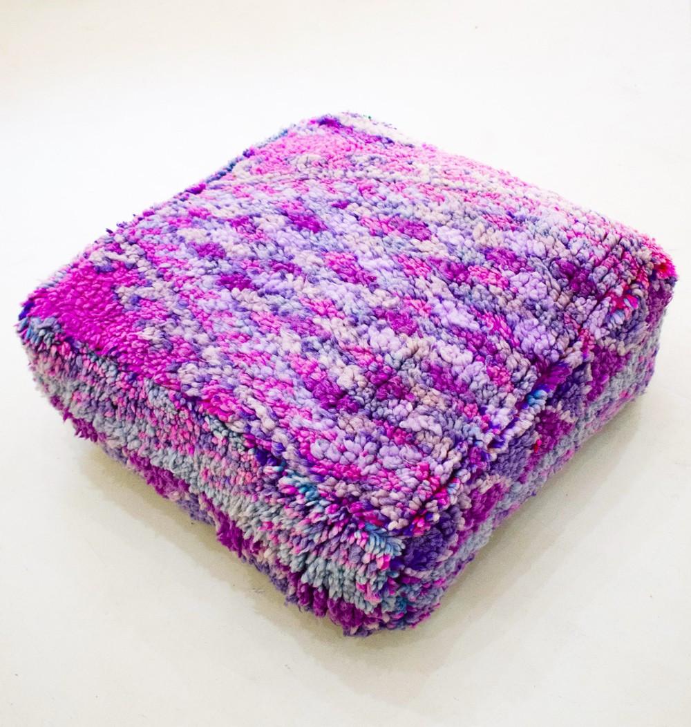 Pouf Vintage carré en laine pastel Triangle & losanges