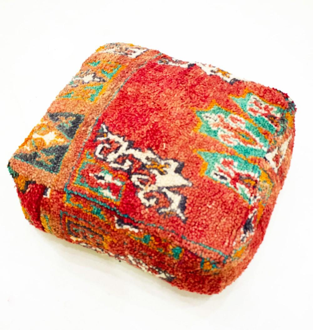 Pouf Vintage carré en laine rase velours Elégance