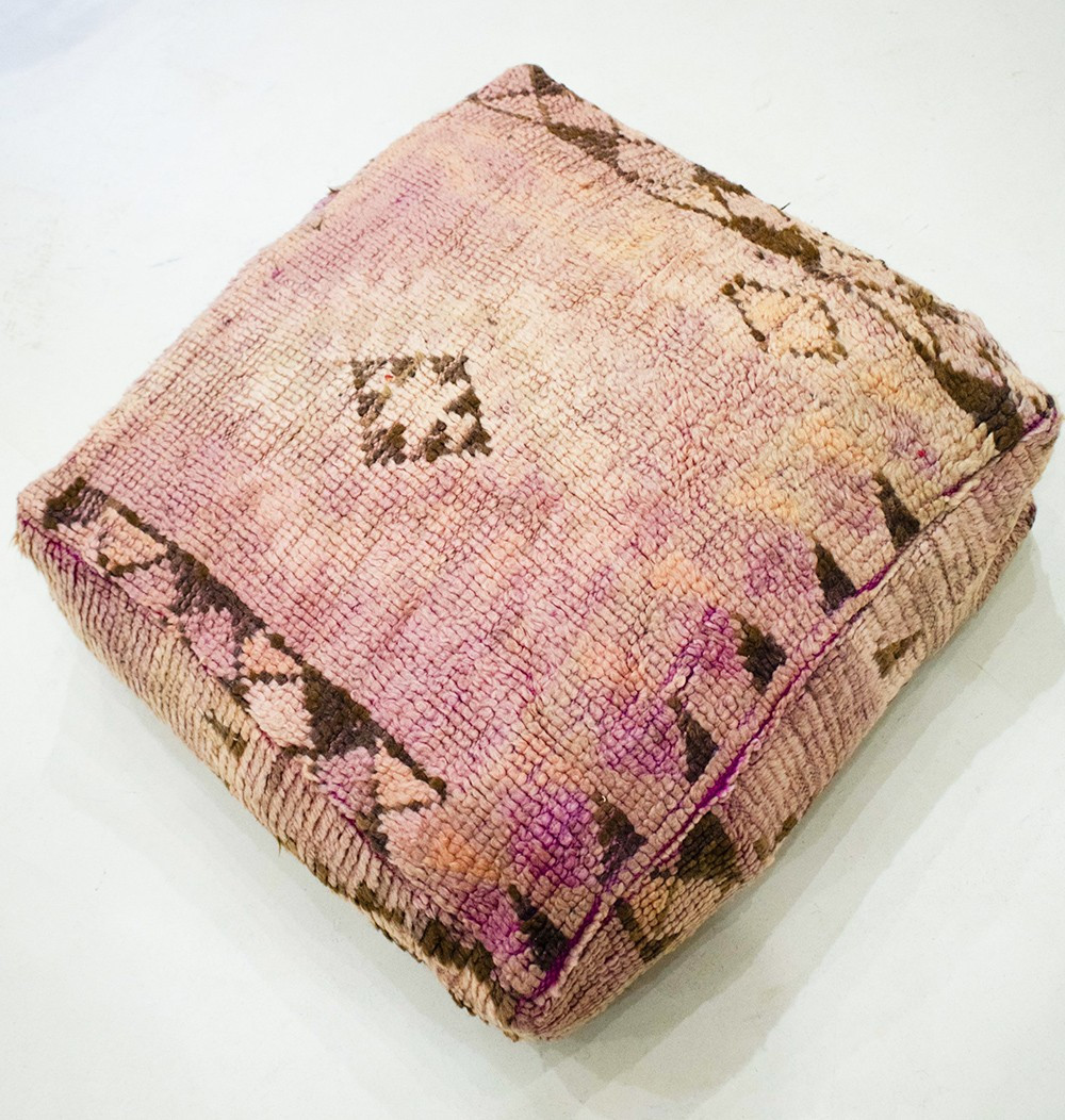Vintage square pouf in thick shaved wool Washed
