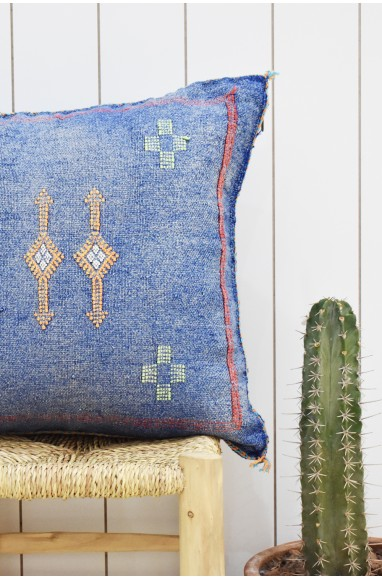 Berber blue jean cushion cover with pink tips