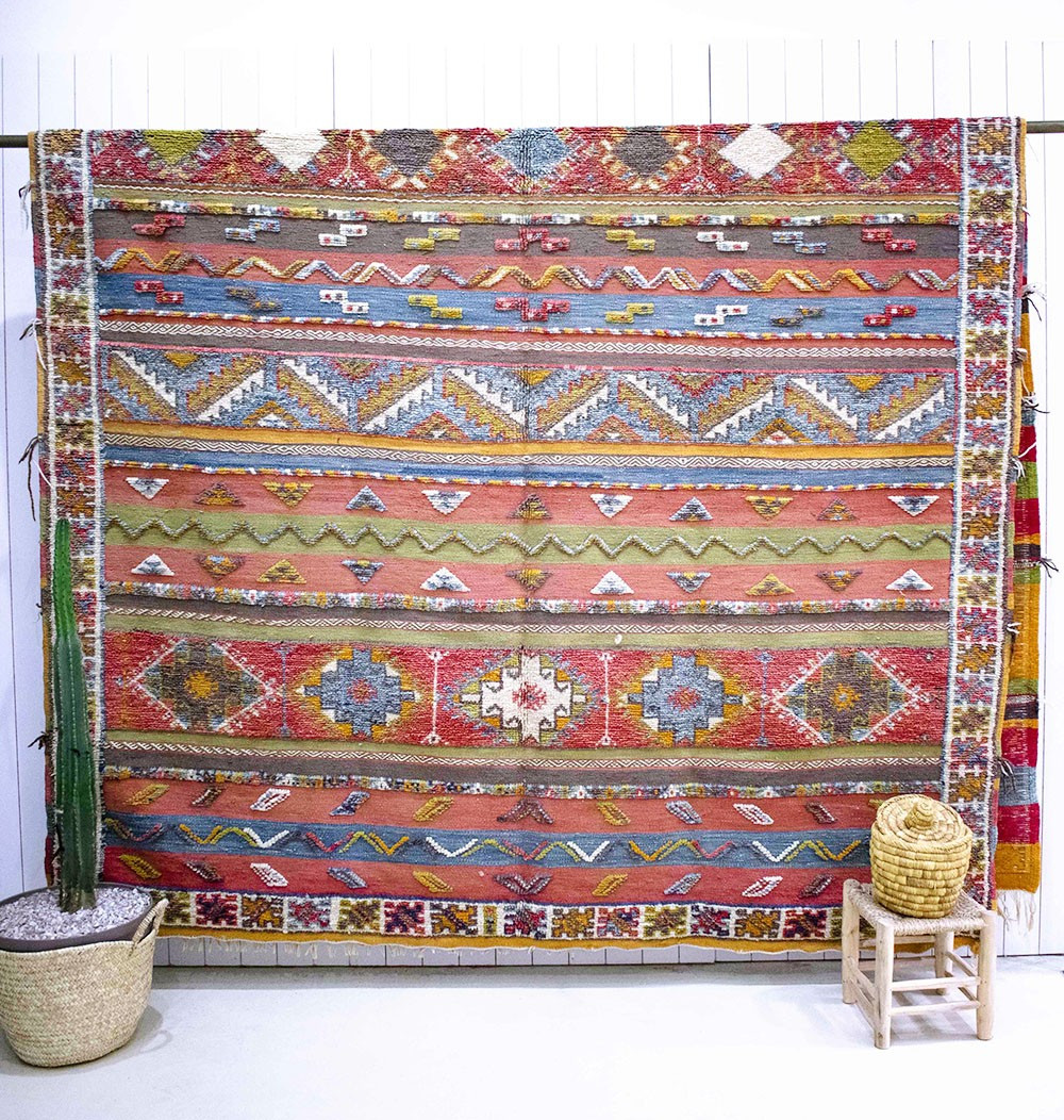 Colorful Aztec Vintage Carpets