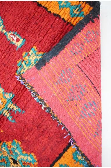 Tapis vintage rouge signes berbères