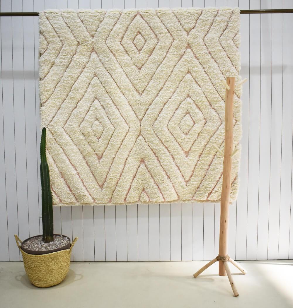 Vintage 3D diamond rug