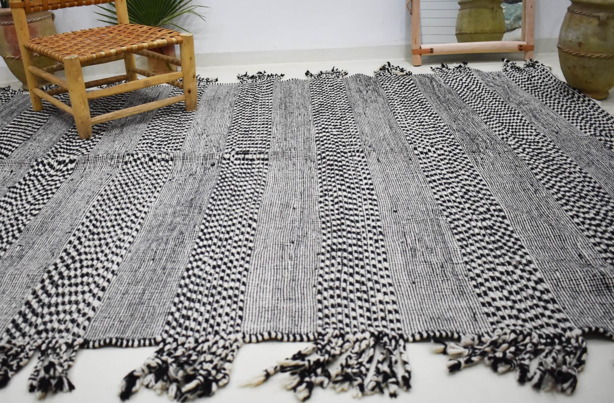 Tapis Kilim chiné gris et noir Bandes Bicolores