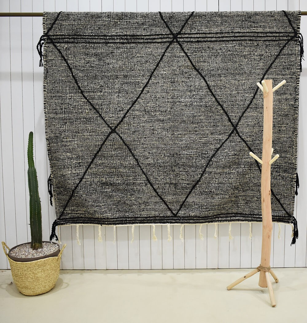 Heather gray, black, white Kilim rug Black traced diamonds