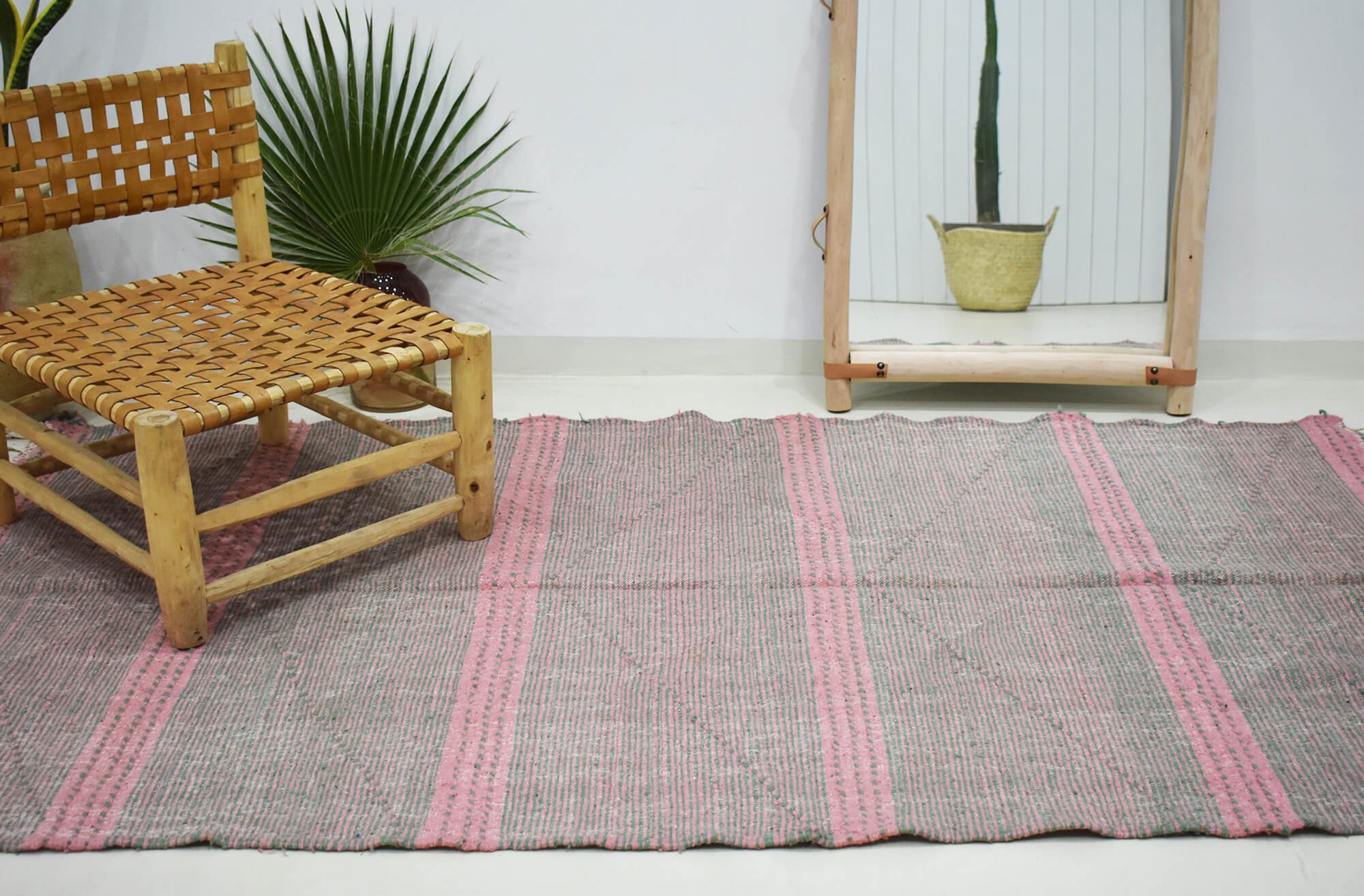 Heather beige, pink and brown kilim rug Bicolour lines