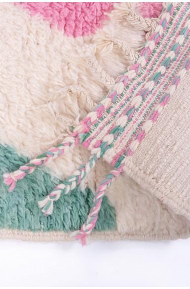 Tapis Beni Ouarain 3 couleurs blanc rose vert