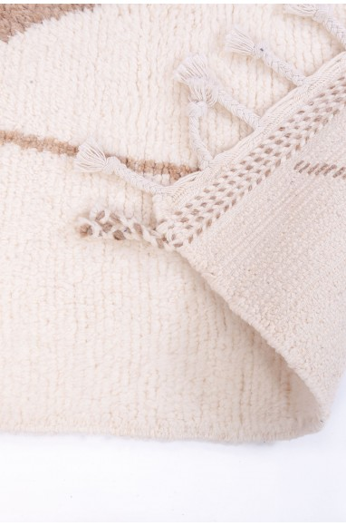 Beni Ouarain two-tone white and beige rug