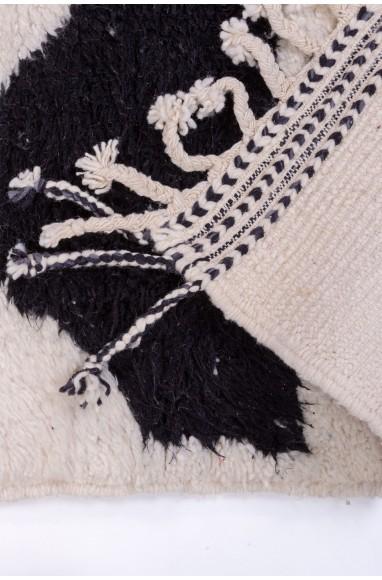 Tapis Beni Ouarain Blanc et triangles noirs