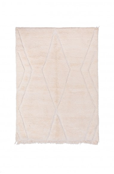Beni Ouarain rug uni white background relief patterns