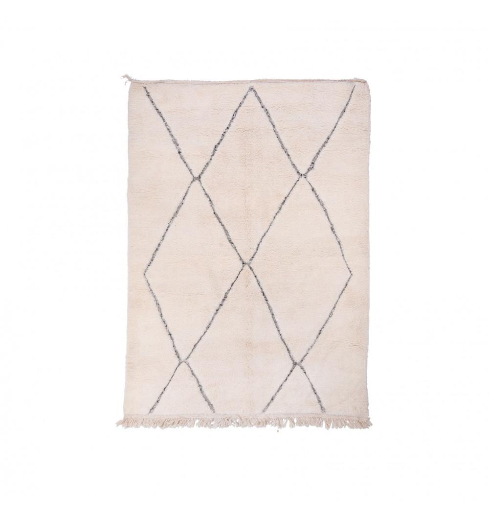 Beni Ouarain Uni White rug with contoured diamond patterns in two-tone gray / white