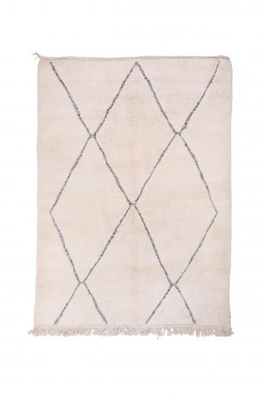 Tapis Beni Ouarain Uni Blanc motifs losanges relief contournés en bicolore gris/blanc