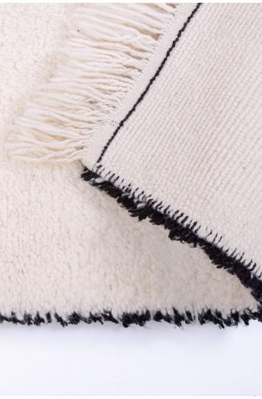 Tapis Beni Ouarain blanc contourné de noir