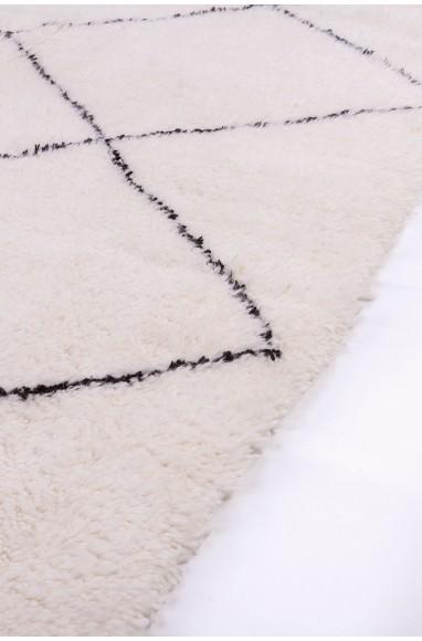 Tapis Beni Ouarain 9 losanges complets contour épais noir
