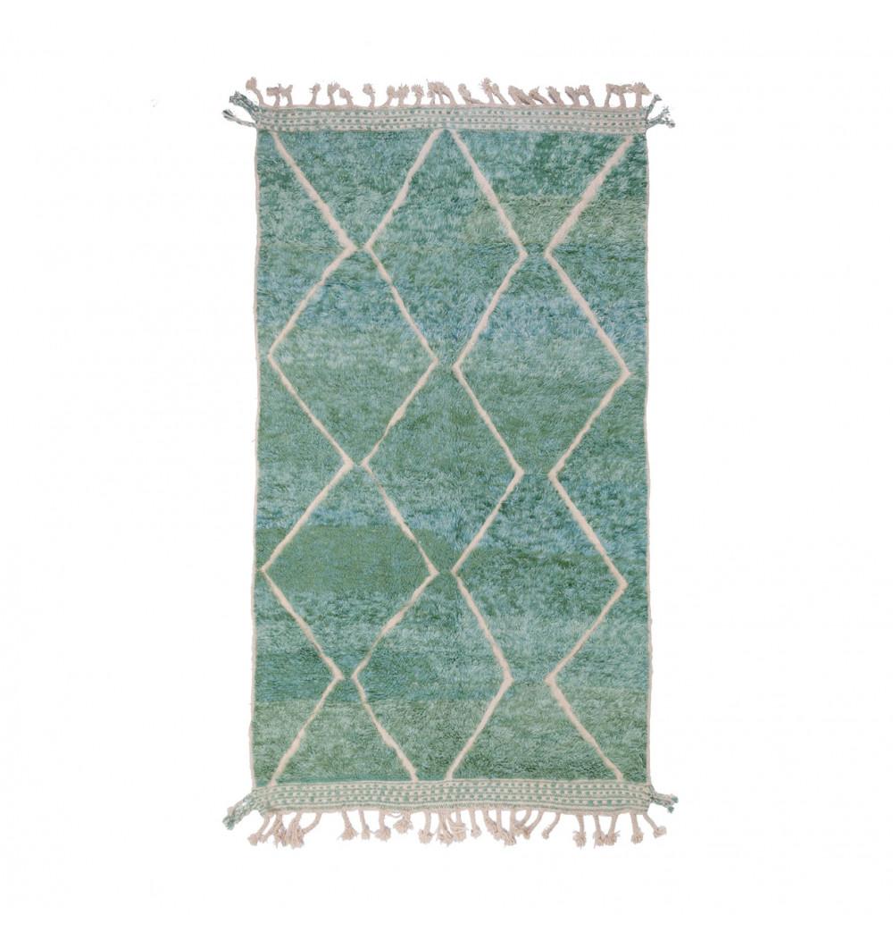 Beni Ouarain carpet gradient green background