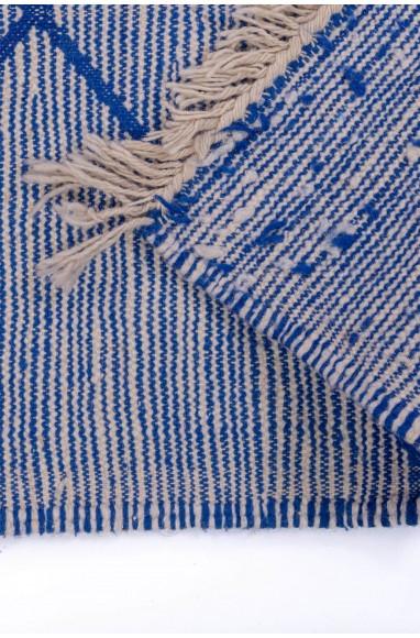 Tapis Kilim fond nuancé bleu, beige et blanc