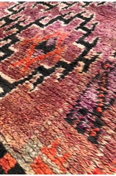 Tapis Vintage rustique tons de rouge/violet et marron foncé