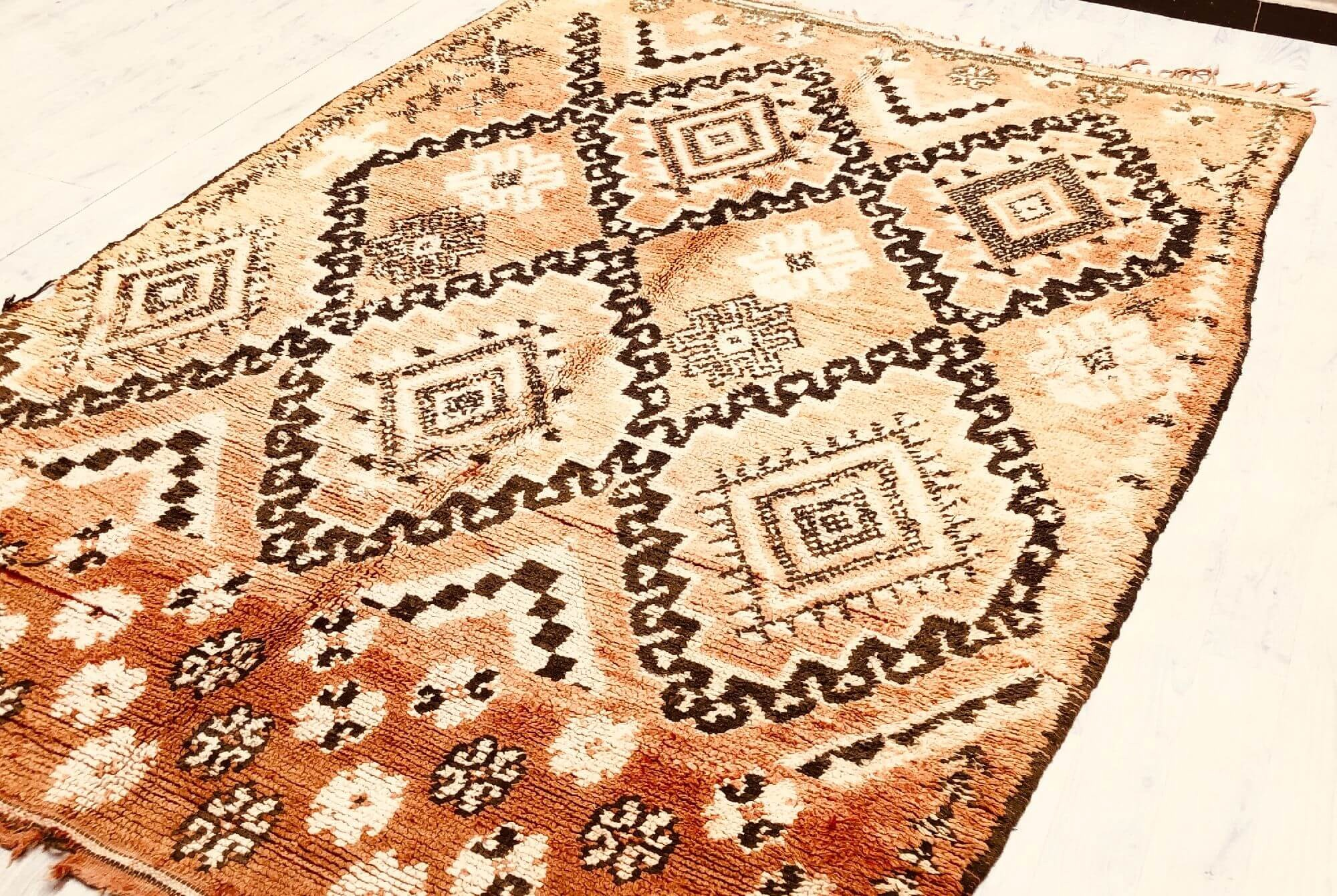 Vintage rug antique look