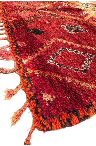 Vintage rug rustic look in pink and brown