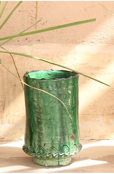 Enamelled green tamegroute vase