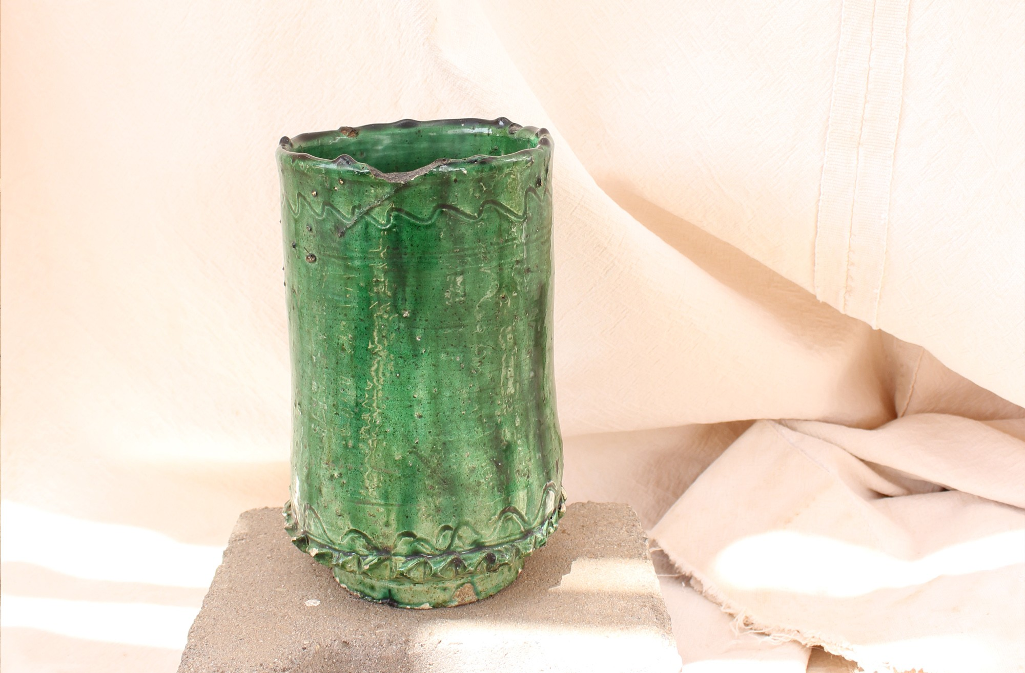 Enamelled green tamegroute vase