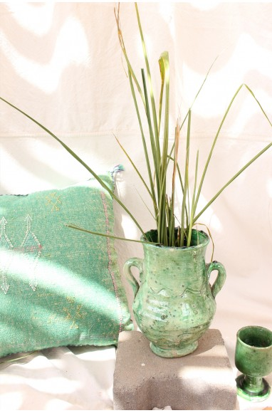 Tamgeroute vase with handles