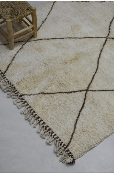 Mrirt carpet white wool black diamonds