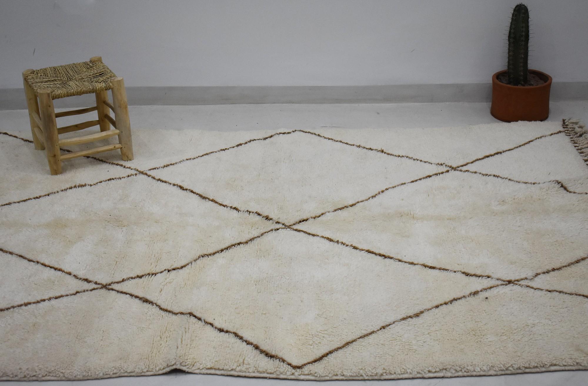Tapis laine blanche losanges noirs