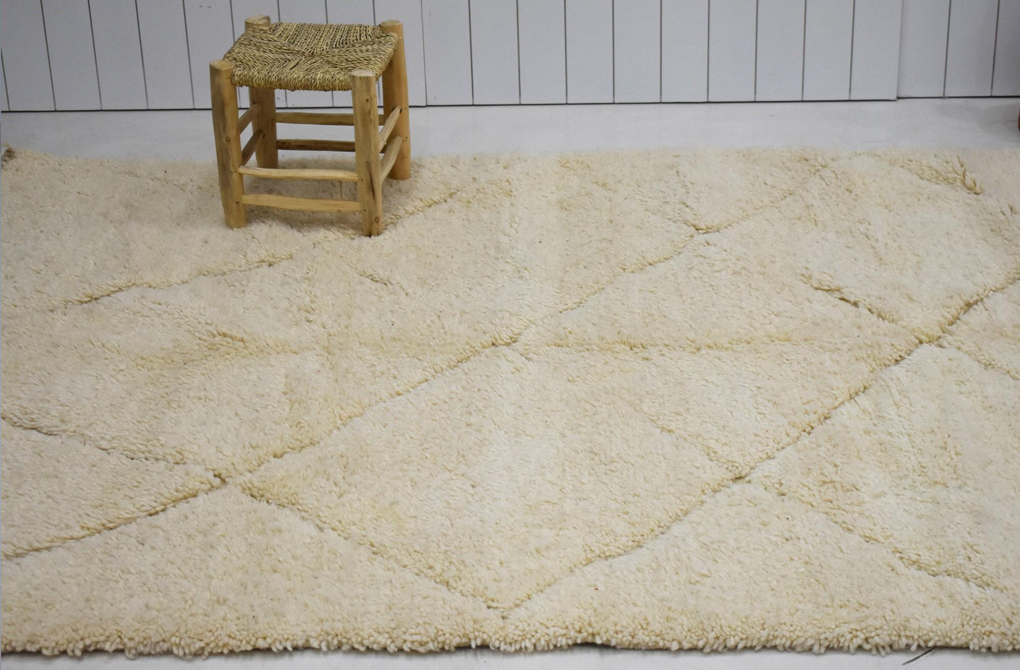 Tapis berbère beige tissé en kilim