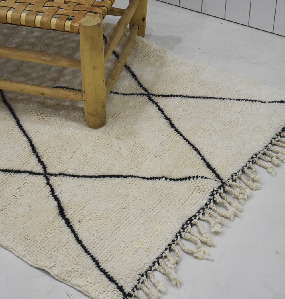 small Berber Mrirt carpet day n night