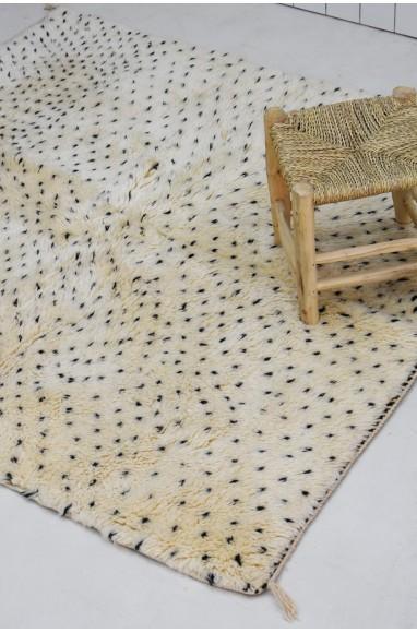 small Berber Mrirt carpet dots