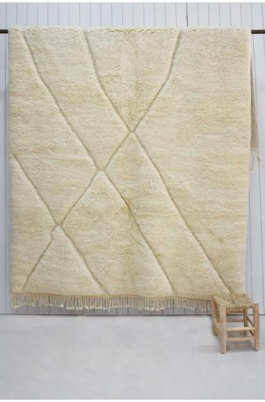 Tapis berbère Contour écru et jaune et motifs 4 grands losanges contournés