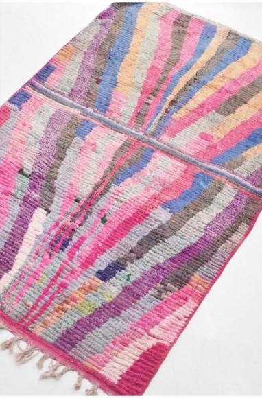 Tapis berbère dominantes de rose et violet effet Miroir