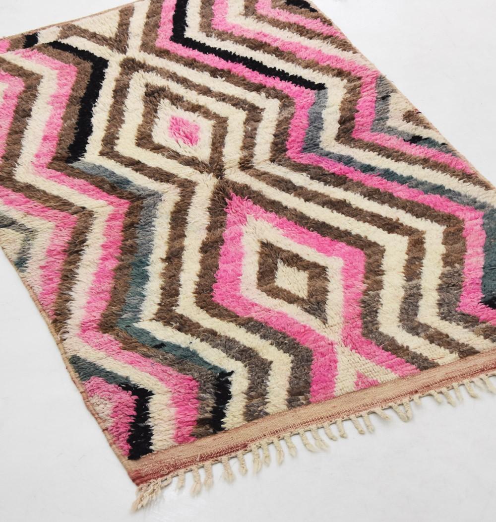"Colorful Berber carpet ""Diamond and zigzag graphic"""