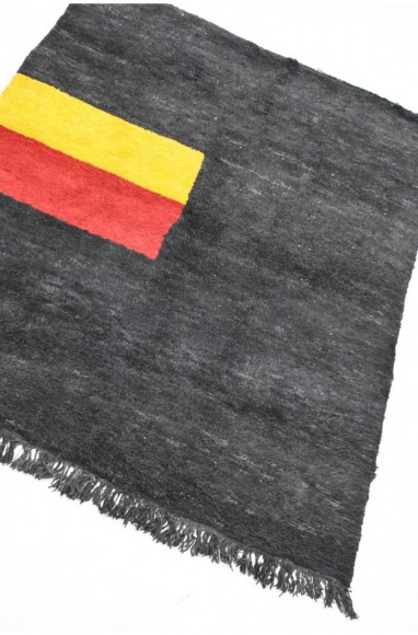 "Tapis berbère fond gris noir ""Etandard"""
