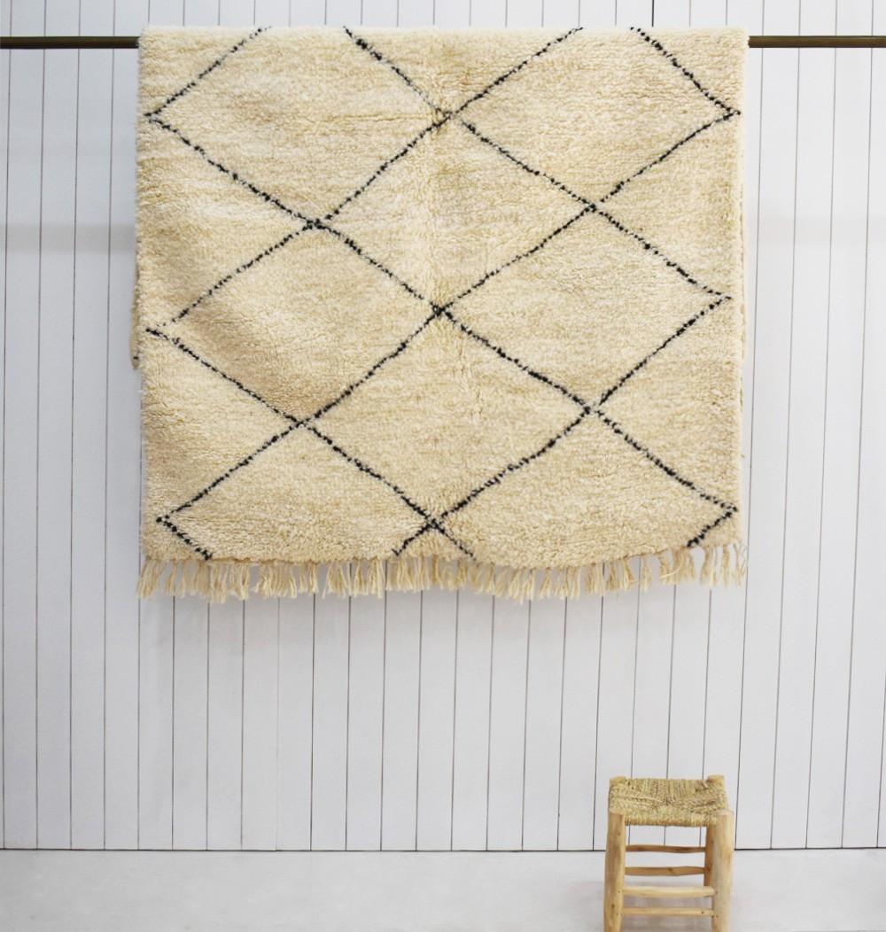 Petit tapis de type Beni Ouarain losanges étirés