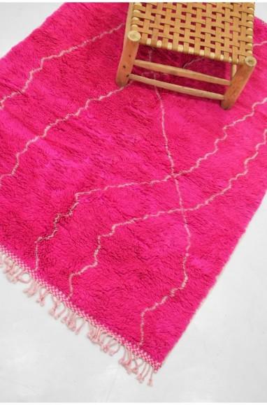 Tapis berbère rose vif à filaments gris clairs