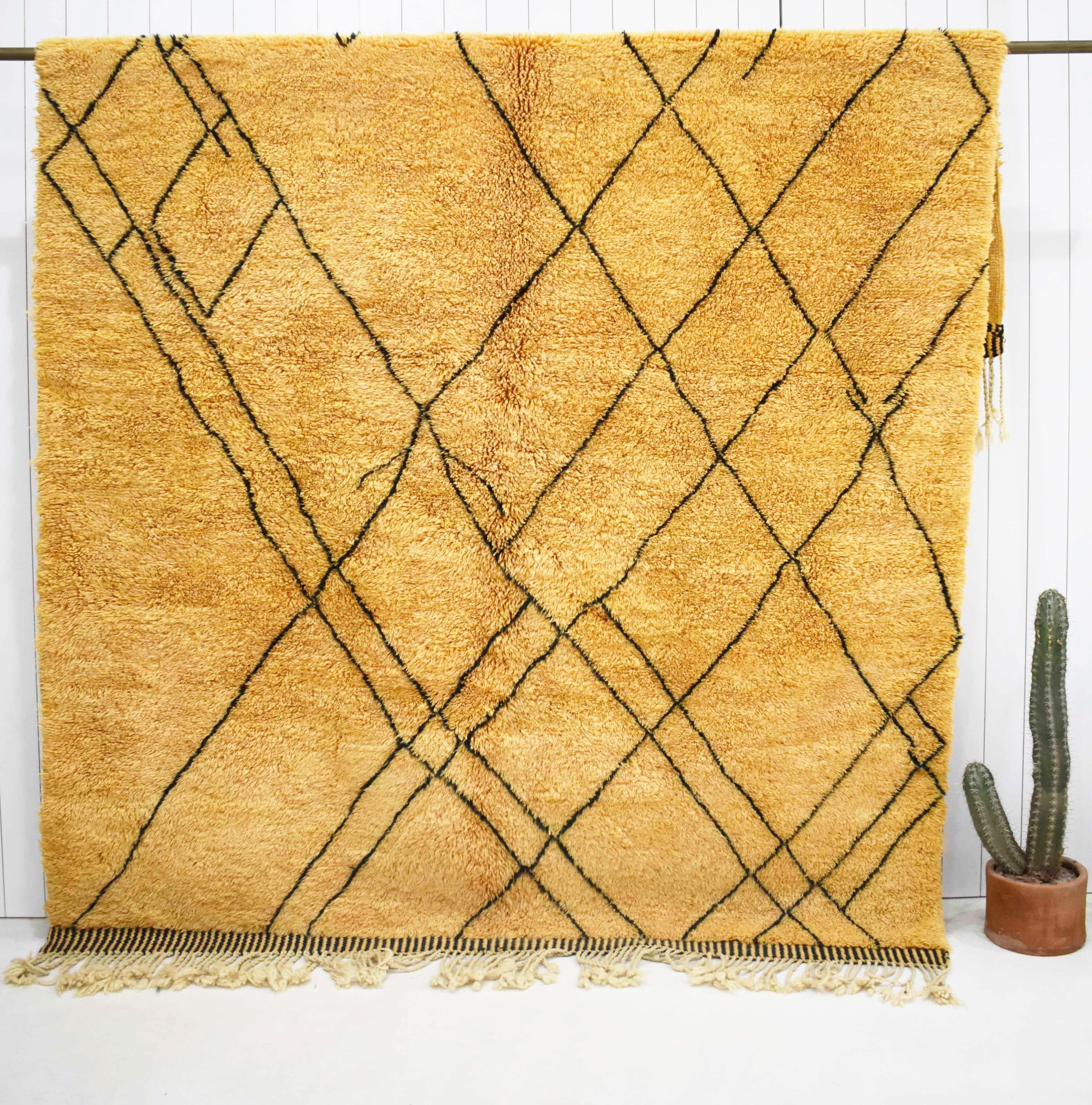 Orange Mrirt berber carpet with lines