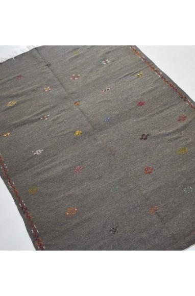 Tapis Hanbel brodé sur fond gris