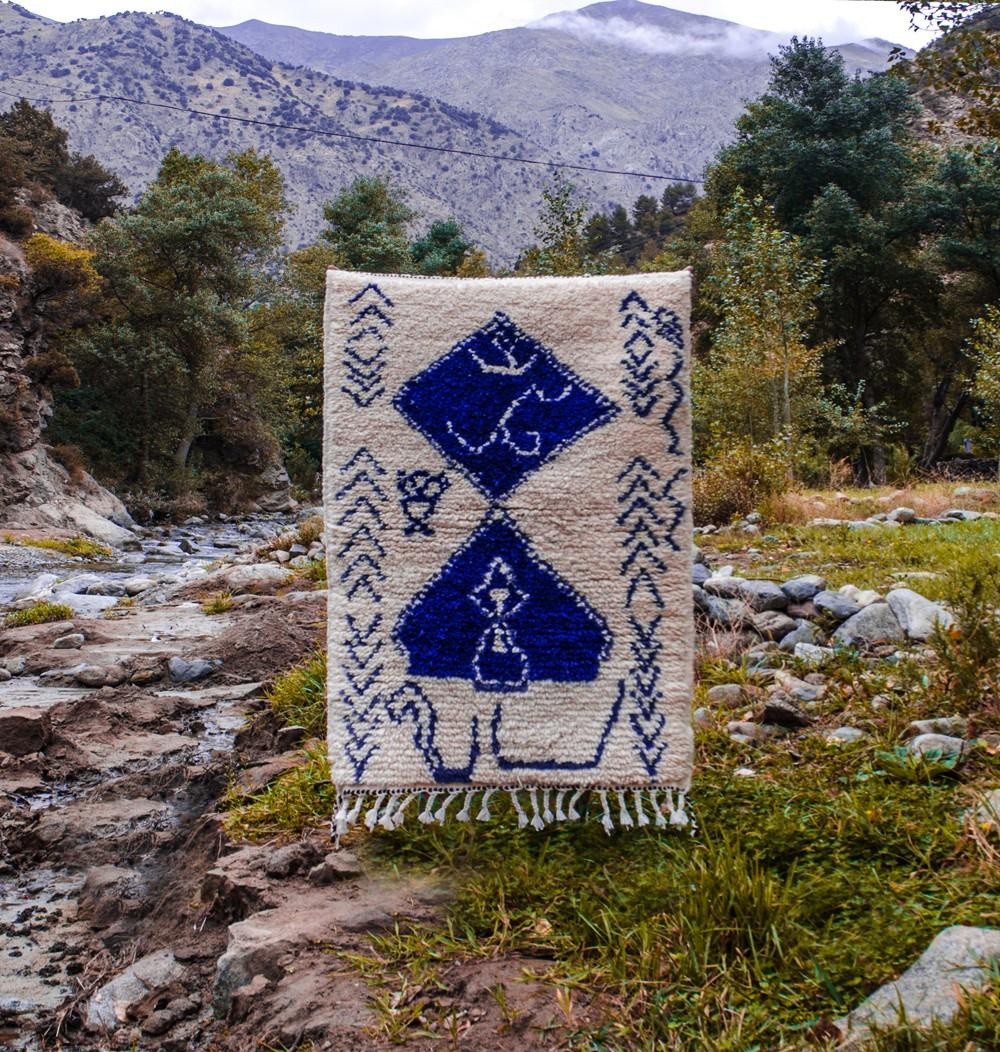 Berber carpet blue and white