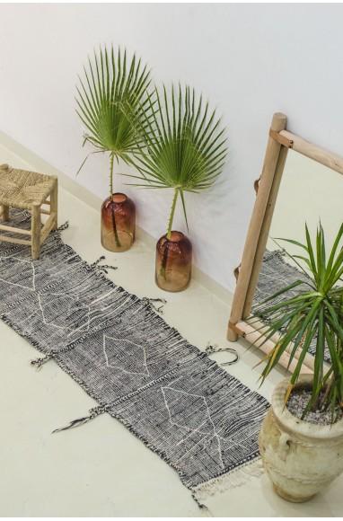 Berber hanbel carpet in hallway